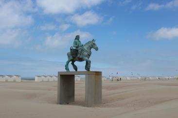 Oostduinkerke Paardenvisser Statue