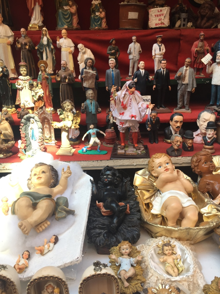 Neapolitan figurines